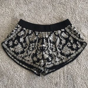 EUC Small Ark & Co. Black & Cream Woven Shorts!